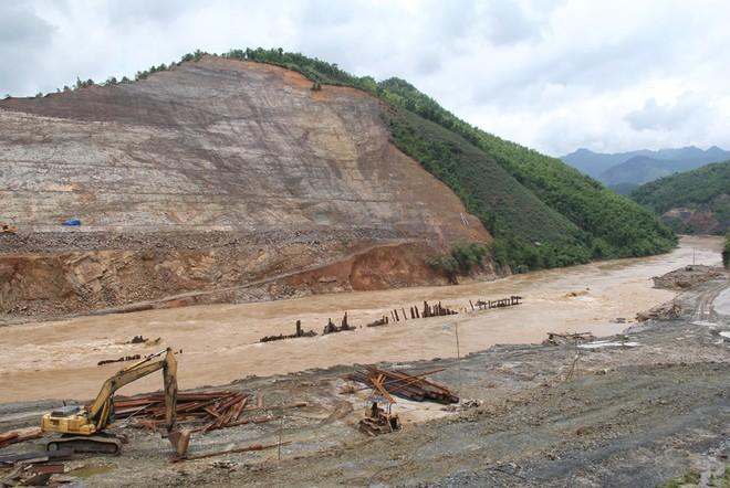 Lũ cuốn phăng cây cầu hơn 20 tỷ trên sông Mã ảnh 6
