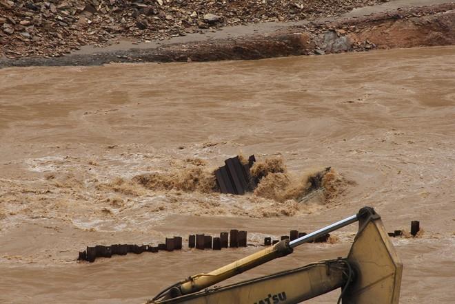 Lũ cuốn phăng cây cầu hơn 20 tỷ trên sông Mã ảnh 5