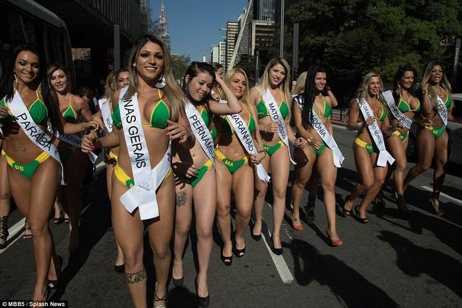 Bỏng mắt với dàn Hoa hậu Miss Bum Bum Brazil ảnh 12