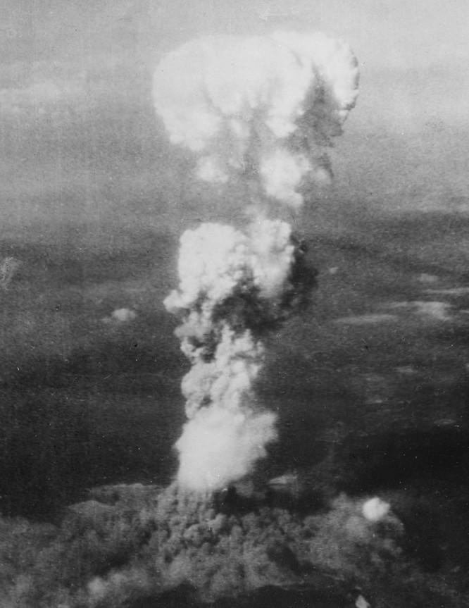 Chùm ảnh độc thảm họa hạt nhân Hirosima 70 năm trước ảnh 7
