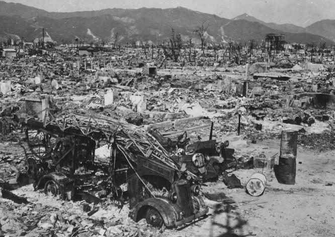Chùm ảnh độc thảm họa hạt nhân Hirosima 70 năm trước ảnh 23