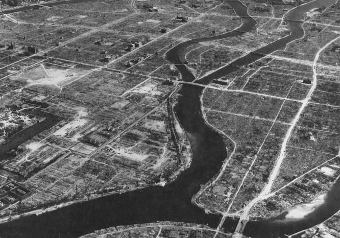 Chùm ảnh độc thảm họa hạt nhân Hirosima 70 năm trước ảnh 24