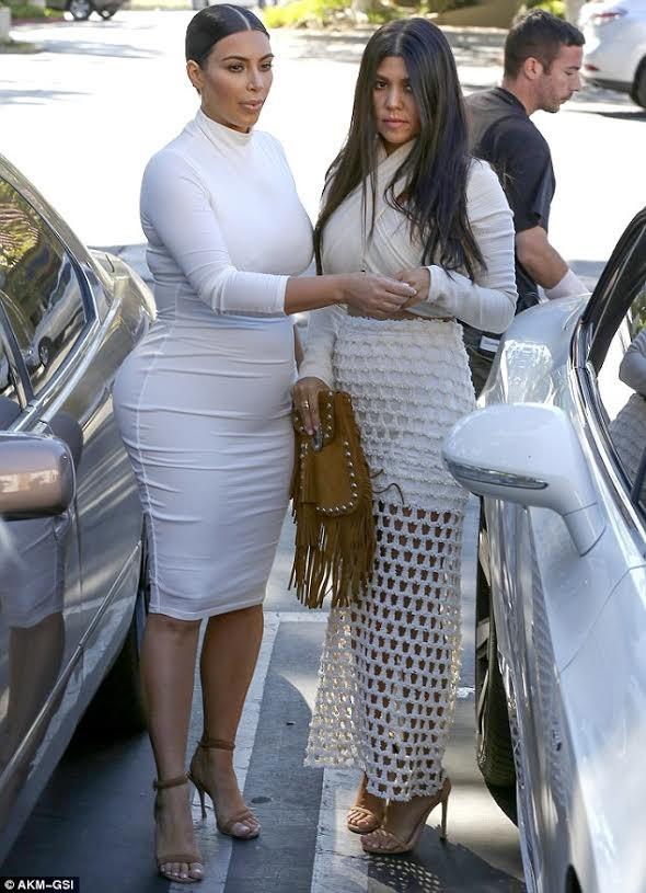 """Nóng bỏng mỹ nhân Kim Kardashian """"siêu vòng ba"""" ảnh 13"""