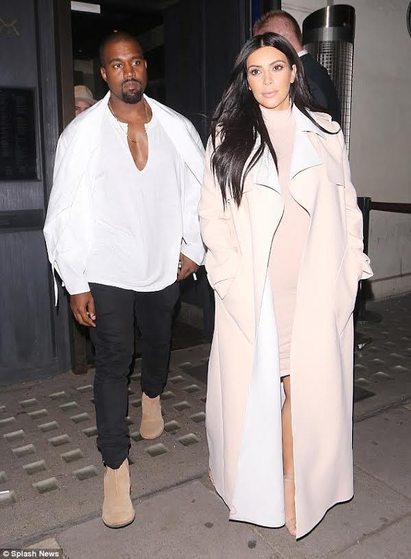 """Nóng bỏng mỹ nhân Kim Kardashian """"siêu vòng ba"""" ảnh 22"""