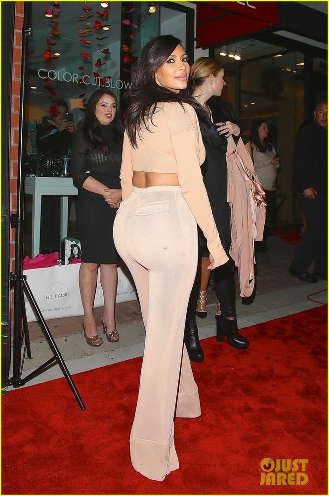 """Nóng bỏng mỹ nhân Kim Kardashian """"siêu vòng ba"""" ảnh 25"""