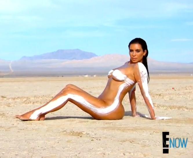 """Nóng bỏng mỹ nhân Kim Kardashian """"siêu vòng ba"""" ảnh 31"""