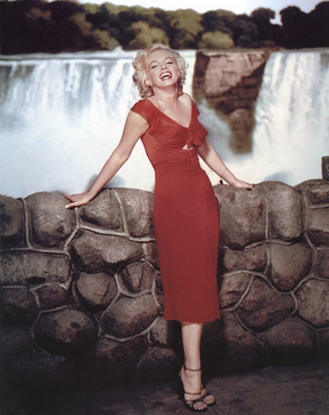 Nữ minh tinh hồng nhan bạc mệnh Marilyn Monroe - chuyện đời và ảnh nuy ảnh 17
