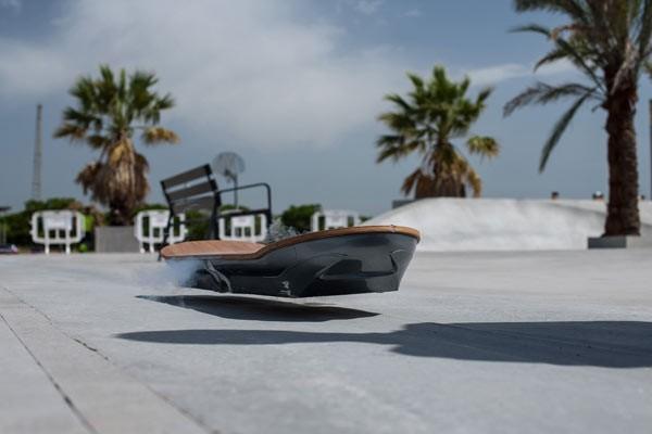Ván trượt dùng công nghệ tàu hỏa siêu tốc hiệu Lexus ảnh 4