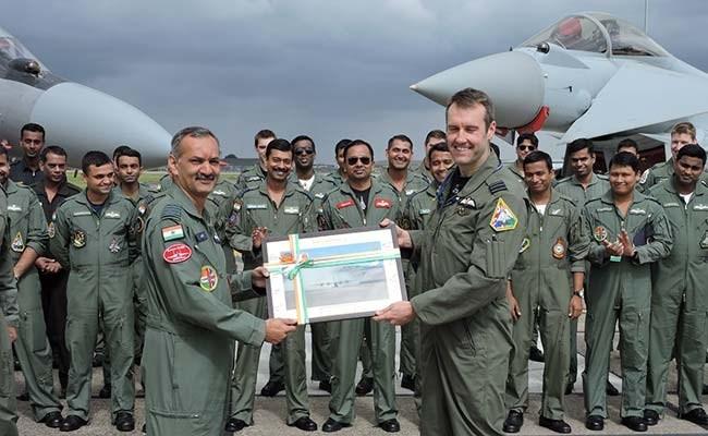 Vì sao Su-30MKI Ấn Độ thắng tuyệt đối Typhoon Anh? ảnh 4