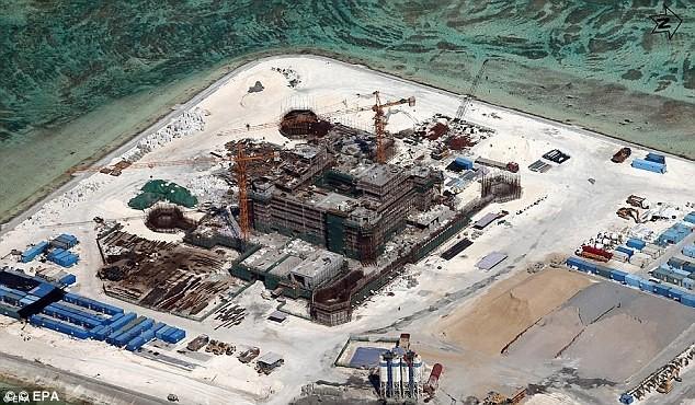 Trung Quốc ồ ạt xây dựng các đảo nhân tạo hòng độc chiếm Biển Đông
