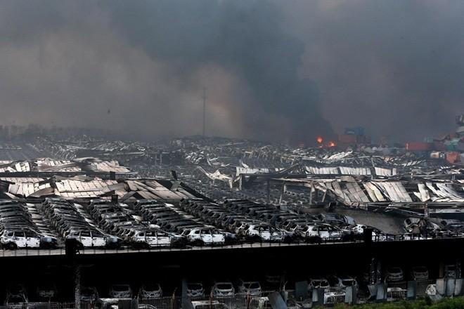 1.000 ôtô mới cháy đen vì vụ nổ ở Trung Quốc ảnh 3