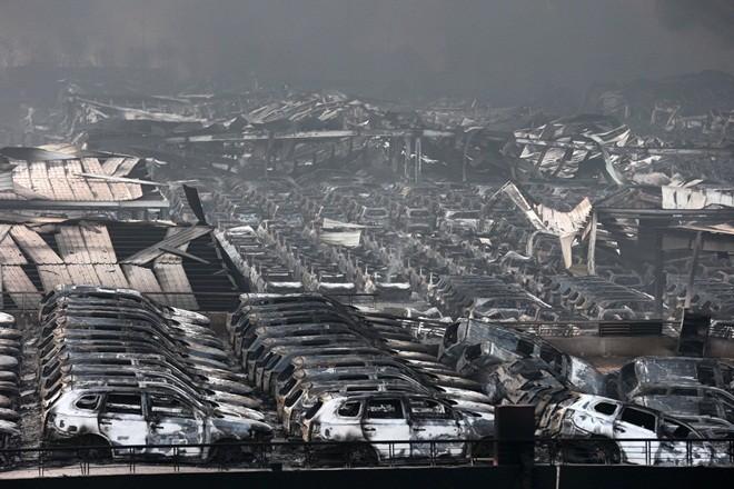 1.000 ôtô mới cháy đen vì vụ nổ ở Trung Quốc ảnh 5