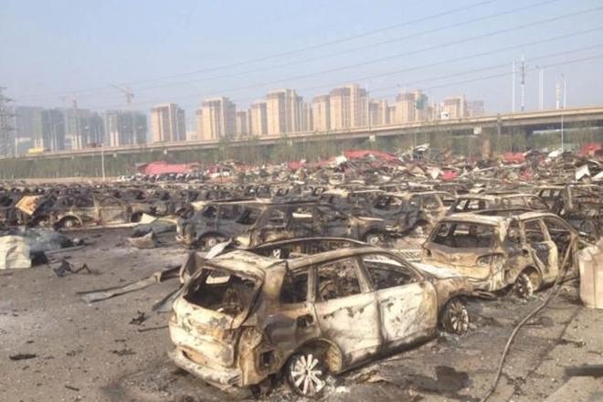 1.000 ôtô mới cháy đen vì vụ nổ ở Trung Quốc ảnh 6