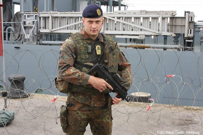 Vũ khí nguy hiểm dành cho khủng bố - súng tiểu liên cực ngắn Heckler & Koch MP7 ảnh 3