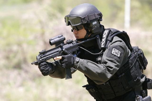 Vũ khí nguy hiểm dành cho khủng bố - súng tiểu liên cực ngắn Heckler & Koch MP7 ảnh 16