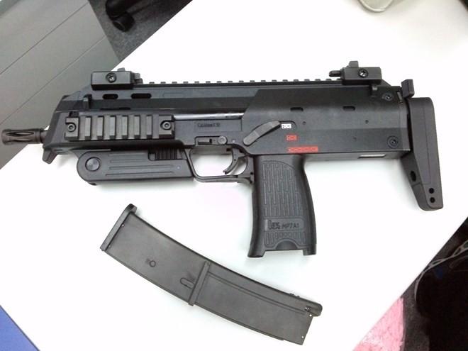 Vũ khí nguy hiểm dành cho khủng bố - súng tiểu liên cực ngắn Heckler & Koch MP7 ảnh 11