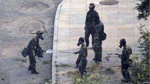 Trung Quốc sơ tán dân cư quanh khu vực cảng Thiên Tân ảnh 1