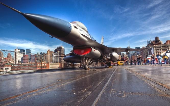 Chùm ảnh những huyền thoại công nghệ hàng không quân sự thế giới ảnh 8