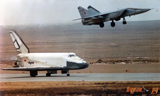 Chùm ảnh những huyền thoại công nghệ hàng không quân sự thế giới ảnh 31