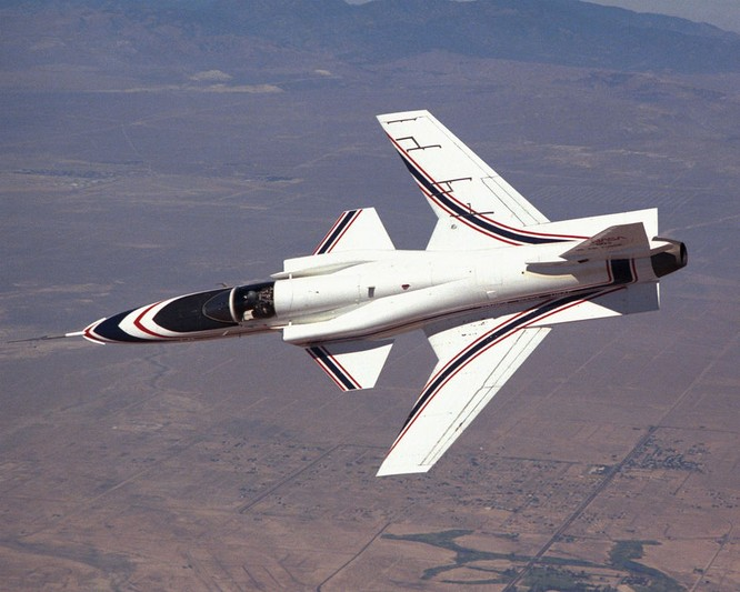 Chùm ảnh những huyền thoại công nghệ hàng không quân sự thế giới ảnh 56