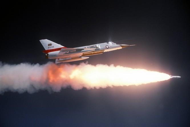 Chùm ảnh những huyền thoại công nghệ hàng không quân sự thế giới ảnh 62