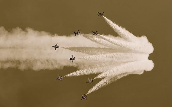 Chùm ảnh những huyền thoại công nghệ hàng không quân sự thế giới ảnh 67