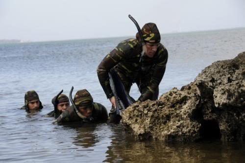 Đặc công Tây Bán cầu - Lực lượng đặc nhiệm Ó đen Cuba ảnh 12
