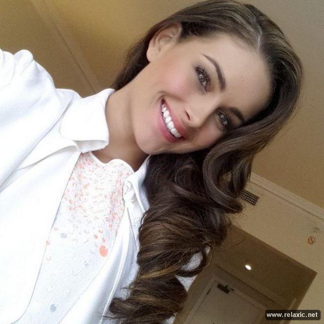 Chủ nhân vương miện Hoa hậu Thế giới 2014 qua ảnh ảnh 33