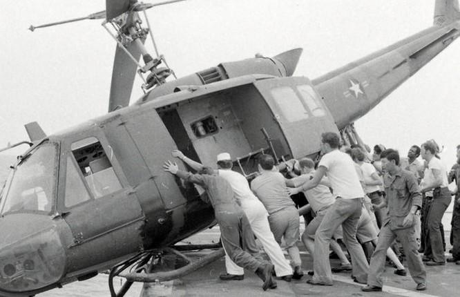 Cuộc chiến trực thăng Mỹ ở Việt Nam ảnh 36