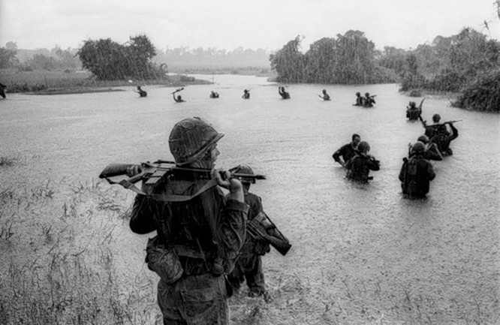 Cuộc chiến tranh Việt Nam qua ảnh của Henry Hyuet ảnh 3