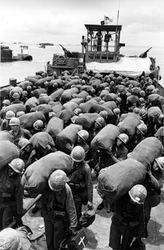 Cuộc chiến tranh Việt Nam qua ảnh của Henry Hyuet ảnh 5