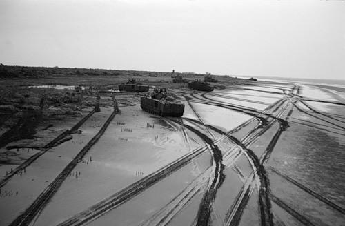 Cuộc chiến tranh Việt Nam qua ảnh của Henry Hyuet ảnh 6