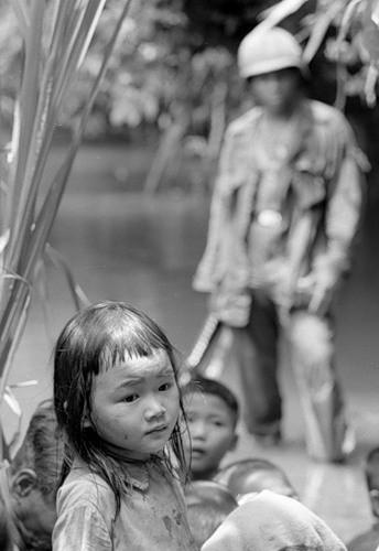 Cuộc chiến tranh Việt Nam qua ảnh của Henry Hyuet ảnh 10