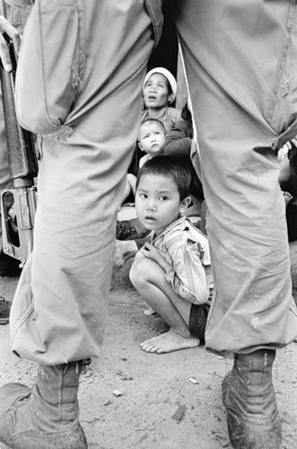 Cuộc chiến tranh Việt Nam qua ảnh của Henry Hyuet ảnh 13