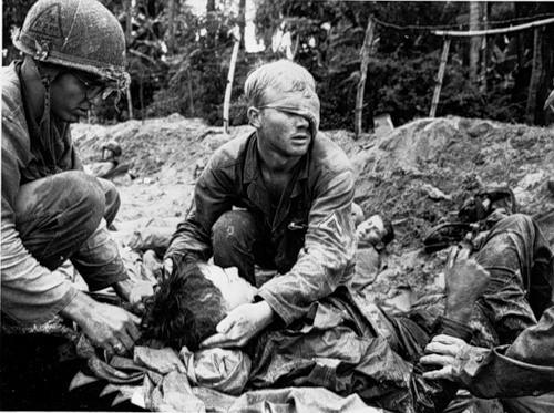 Cuộc chiến tranh Việt Nam qua ảnh của Henry Hyuet ảnh 17
