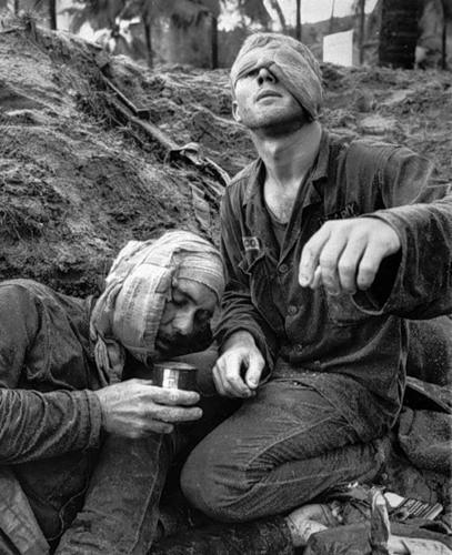 Cuộc chiến tranh Việt Nam qua ảnh của Henry Hyuet ảnh 18