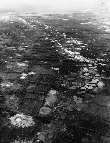 Cuộc chiến tranh Việt Nam qua ảnh của Henry Hyuet ảnh 21