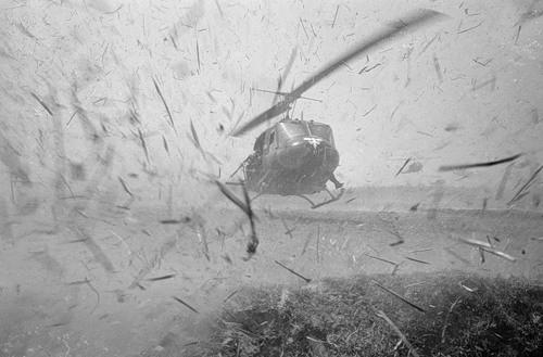 Cuộc chiến tranh Việt Nam qua ảnh của Henry Hyuet ảnh 24