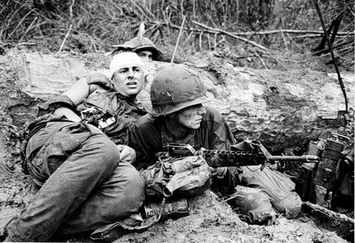 Cuộc chiến tranh Việt Nam qua ảnh của Henry Hyuet ảnh 27