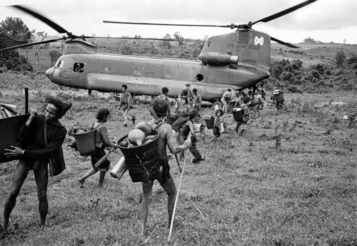 Cuộc chiến tranh Việt Nam qua ảnh của Henry Hyuet ảnh 33