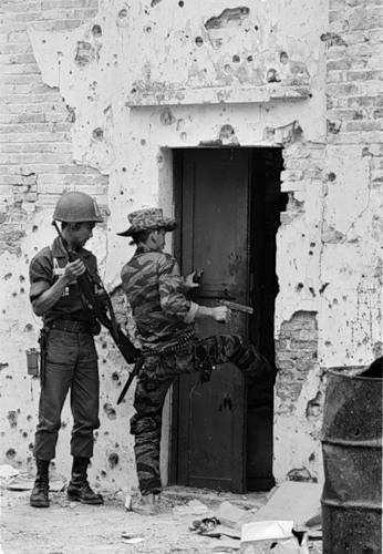 Cuộc chiến tranh Việt Nam qua ảnh của Henry Hyuet ảnh 38