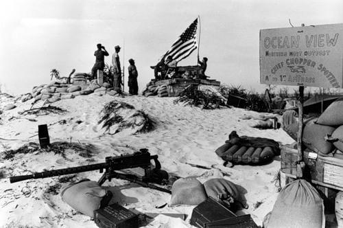 Cuộc chiến tranh Việt Nam qua ảnh của Henry Hyuet ảnh 39
