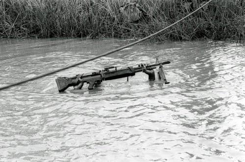 Cuộc chiến tranh Việt Nam qua ảnh của Henry Hyuet ảnh 40