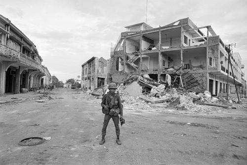 Cuộc chiến tranh Việt Nam qua ảnh của Henry Hyuet ảnh 47