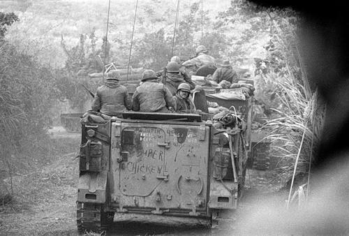 Cuộc chiến tranh Việt Nam qua ảnh của Henry Hyuet ảnh 54