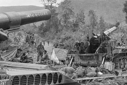 Cuộc chiến tranh Việt Nam qua ảnh của Henry Hyuet ảnh 56