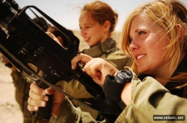 Những nữ quân nhân xinh đẹp Israel khiến giới mày râu cũng phải cúi chào ảnh 1