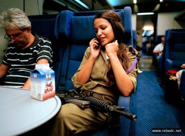 Những nữ quân nhân xinh đẹp Israel khiến giới mày râu cũng phải cúi chào ảnh 2