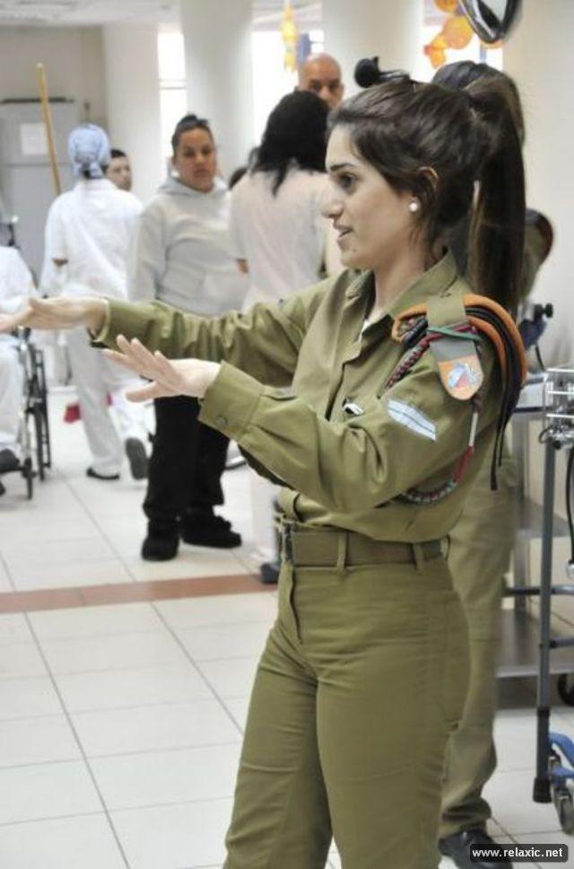 Những nữ quân nhân xinh đẹp Israel khiến giới mày râu cũng phải cúi chào ảnh 10