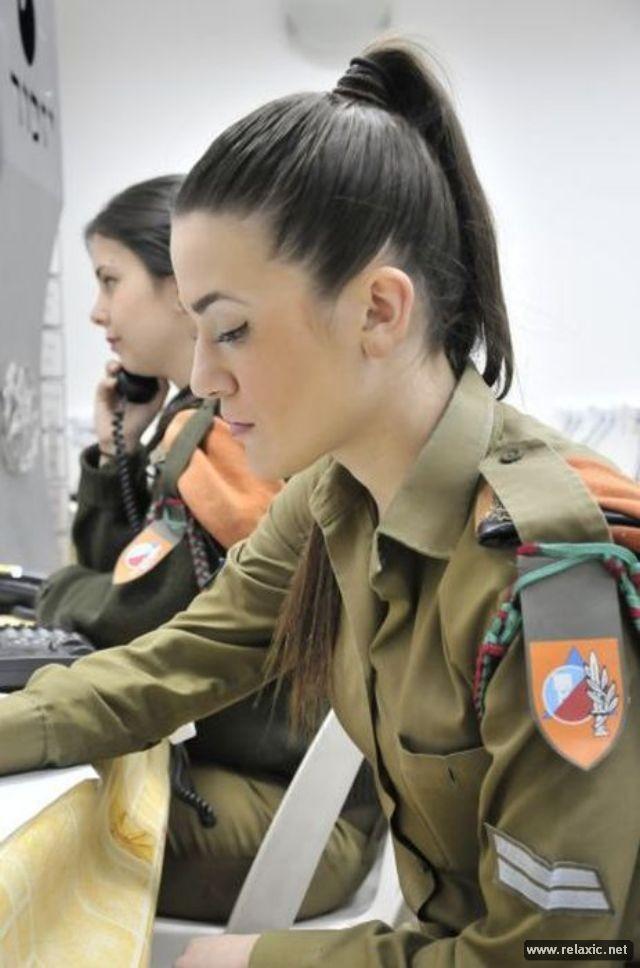 Những nữ quân nhân xinh đẹp Israel khiến giới mày râu cũng phải cúi chào ảnh 11